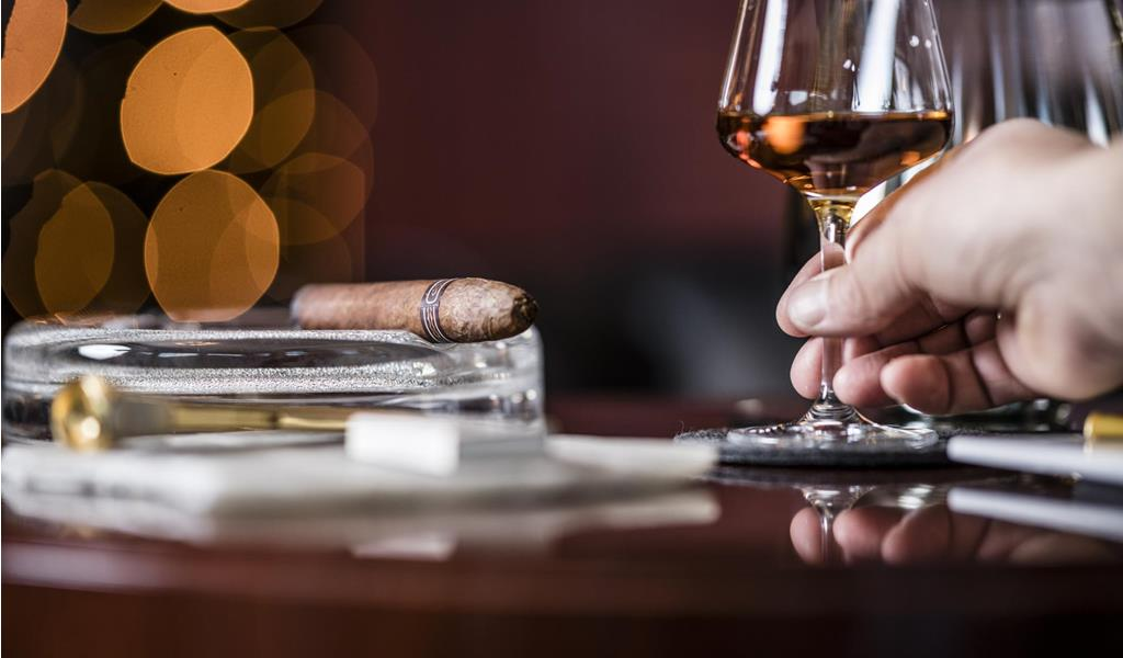 stafler-cigarloune-1149